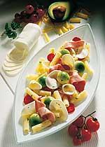 Röhrchen mit buntem Salat