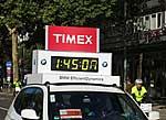 Wagen zeigt Zeit der Läufer