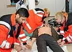 Studenten trainieren die Notfallversorgung am neuen Simulator