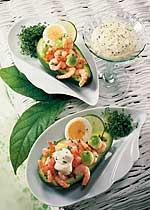 Gefüllte Avocado mit Dip