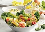 Frühlingssalat mit Eiern und Lachs