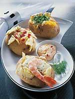 Gefüllte Kartoffeln mit Käse-Dips