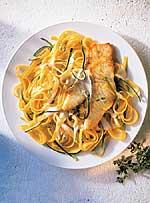 Heilbutt mit Zucchini und Bandnudeln