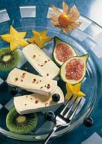 fruchtteller-mit-camembert