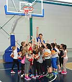 SMS Projektkinder beim Basketball-Training