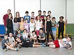 Grundschüler und -schülerinnen beim Training mit Botan Melik