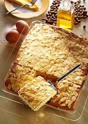 Butterkuchen mit Zimtzucker und Mandeln
