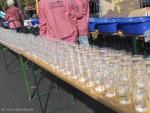 Wasserbecher für Läufer beim Berlin-Marathon