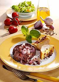 Zwiebelsteak mit Knoblauchbaguette leicht