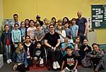 Kinder der St. Rochus-Schule zusammen mit SMS-Patin Tanja Gröpper