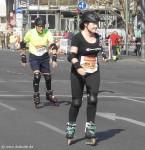 Skater beim Halbmarathon in Berlin
