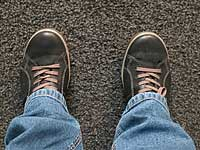 BequemeSchuhe anziehen und laufen