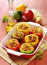 Gefüllte Paprika mit Tomatenreis & Hackfleisch