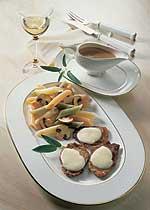 Überbackene Kalbsmedaillons mit Champignons und Penne