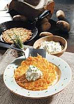 Kartoffelpuffer mit Schnittlauch-Quark