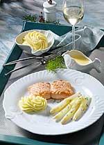 Spargel mit Lachsfilet und Zitronengras-Sauce